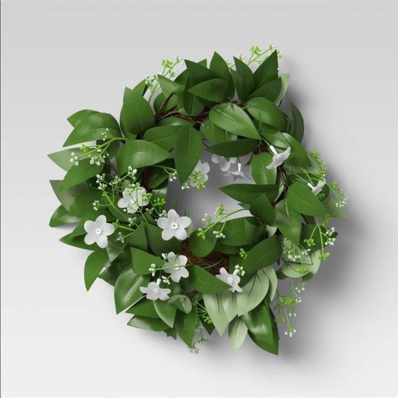 Threshold mini wreath